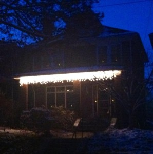 Cute, no? Icicle lights courtesy of McDoc!